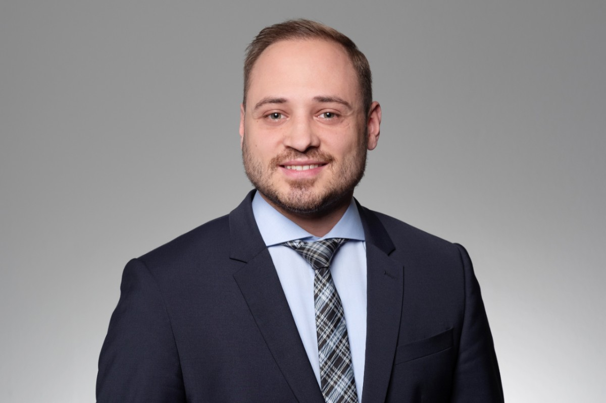 Michael Lopes Client Advisor